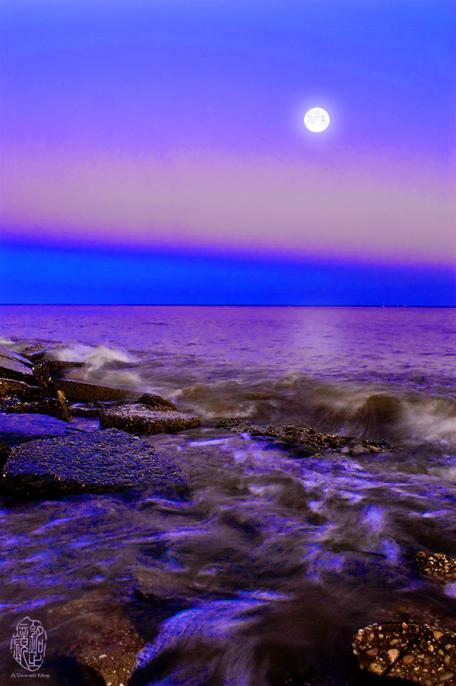MingGullo-moon-the-tide_08-28-12_6880_over-sa-blue