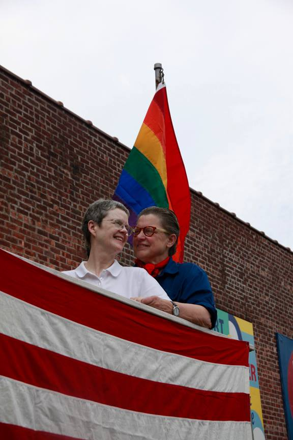 Linda&Claudia in the arms of the Supreme Court